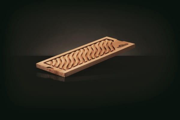 Zedernholzplanke mit Rand (zur Verwend. von Flüssigk. geeig.)